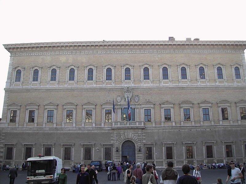 Palazzo Farnese - rione Regola