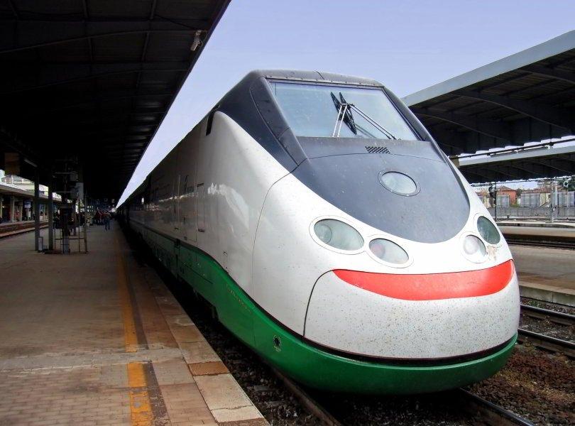 Tren Leonardo Express