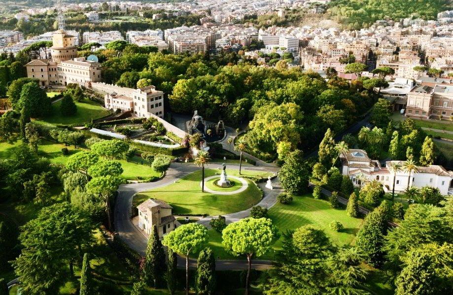 Necrópolis via Triunphalis y Jardines Vaticanos para Grupos